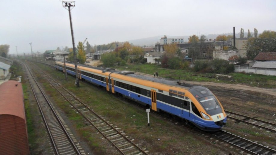 Îți place să călătorești cu trenul? Află în ce direcții te poți deplasa din Chișinău