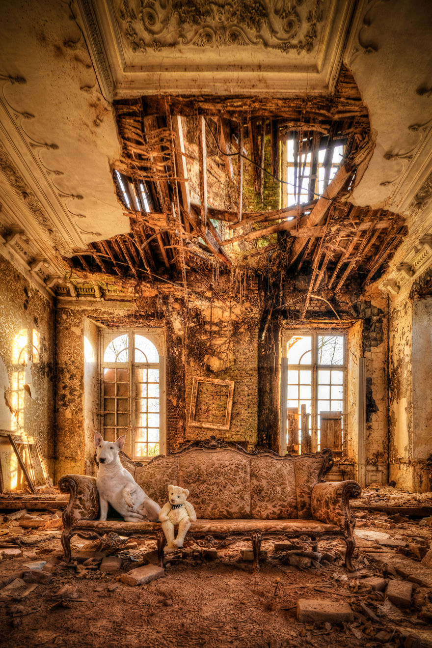 me-and-my-dog-explore-abandoned-places-across-europe-15__880