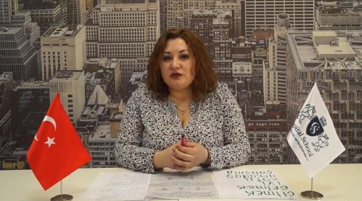 (video) De mai bine de zece ani, o moldoveancă predă limba română și limba turcă în Moscova