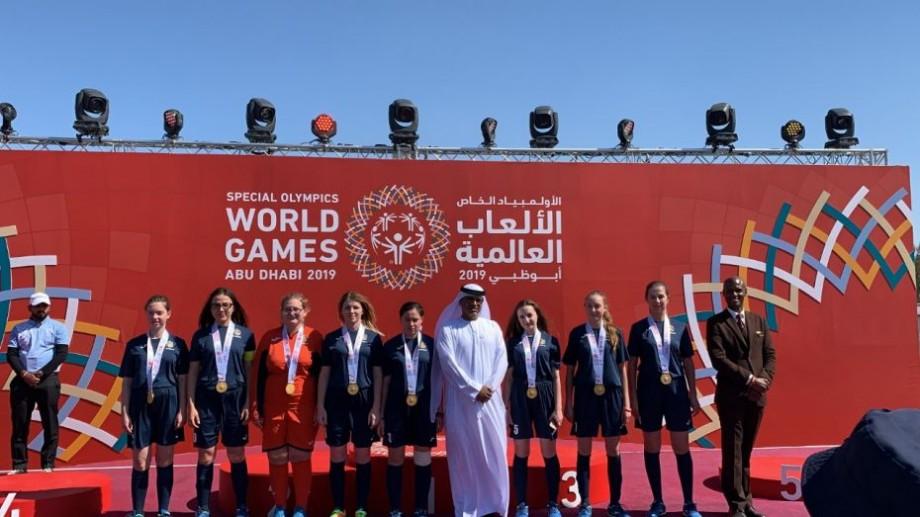 (foto) Echipa feminină de mini-fotbal a Moldovei a câștigat aurul la Jocurile Mondiale de vară Special Olympics