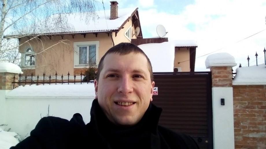 Activistul Pavel Grigorciuc care l-a lovit pe deputatul democrat Sergiu Sîrbu a primit 30 de zile de arest preventiv