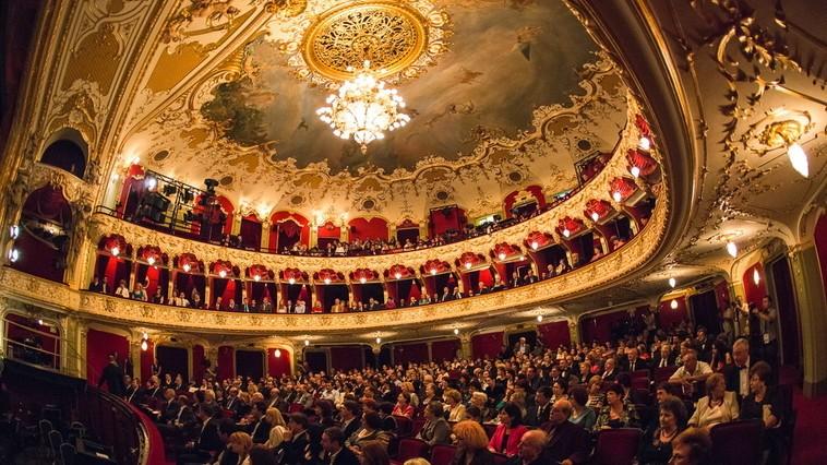 """Începe săptămâna cu spectacole de calitate. Repertoriul desfășurat al Teatrului Național """"Mihai Eminescu"""""""