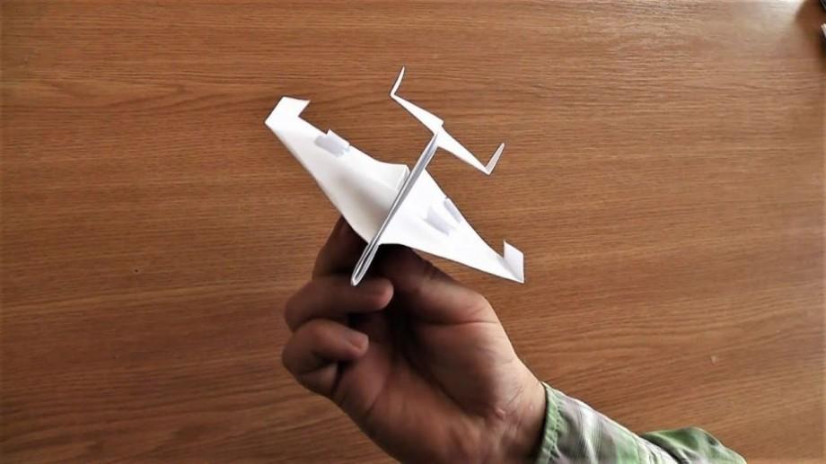 Ești gata de decolare? Înscrie-te la Campionatul Mondial de avioane de hârtie Red Bull Paper Wings din Chișinău
