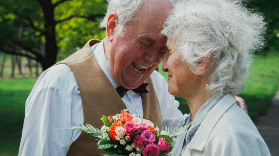 Împreună prin fericiri și greutăți. 20de cupluri din Capitală îşi vor sărbători nunta de aur sau de diamant
