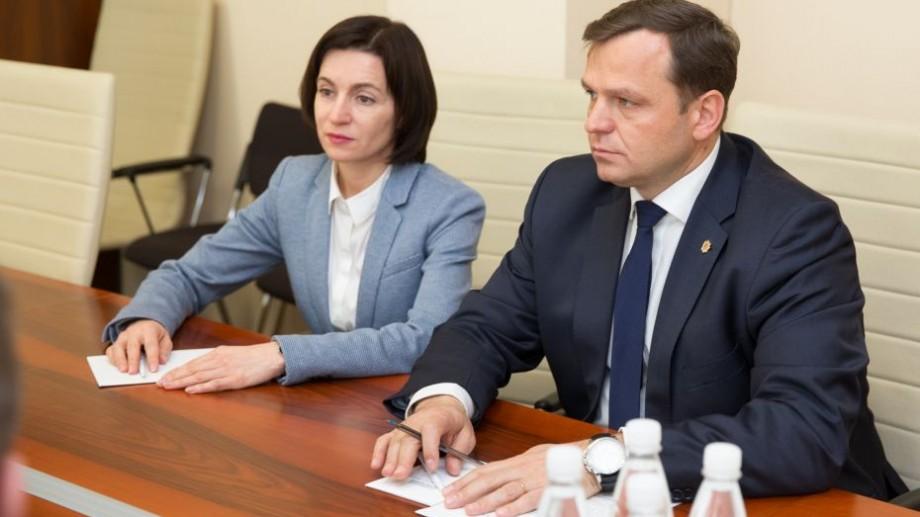 """Blocul ACUM cheamă repetat PSRM-ul  la discuții. """"Presa va fi invitată la partea protocolară"""""""