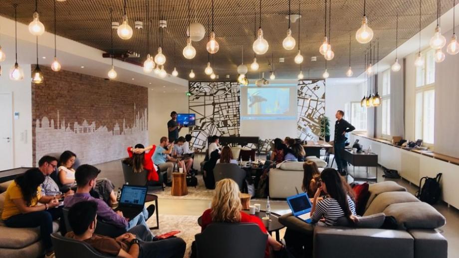 Tinerii jurnaliști pot participa la un workshop despre jurnalismul digital la Potsdam, Germania