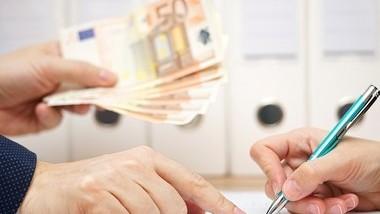(grafice) Moldovenii preferă să ia împrumut cu termen de rambursare de până la 3 luni. Cum a evoluat piața de creditare, în luna martie