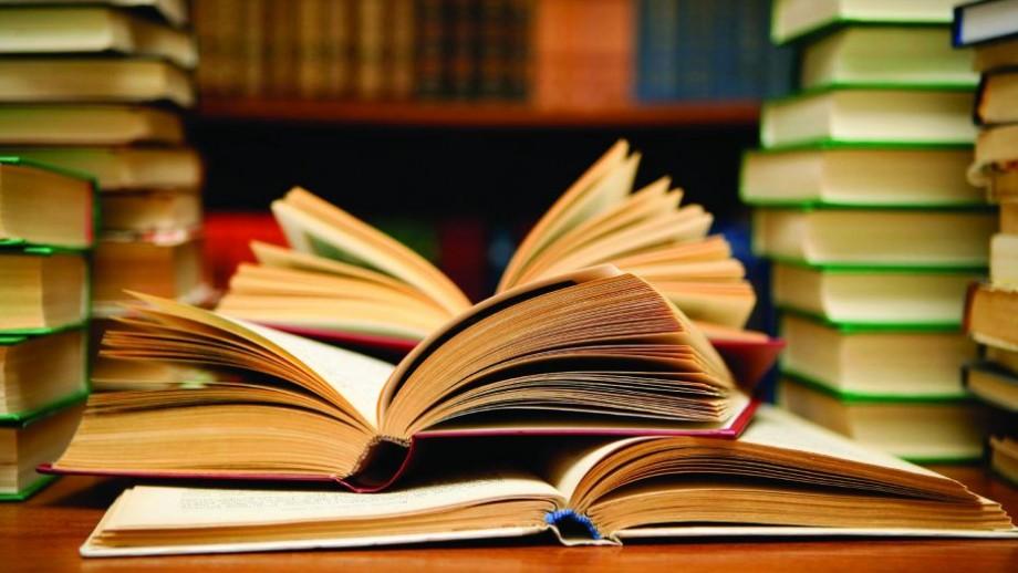 Cunoaște o persoană prin schimbul de cărți preferate. Interact Chișinău vine cu un nou proiect pentru toți cei pasionați de lectură