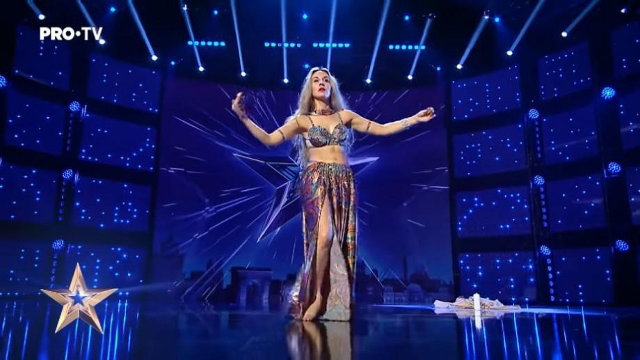 """(video) O tânără din Moldova a impresionat jurații de la """"Românii au talent"""" cu un dans oriental"""