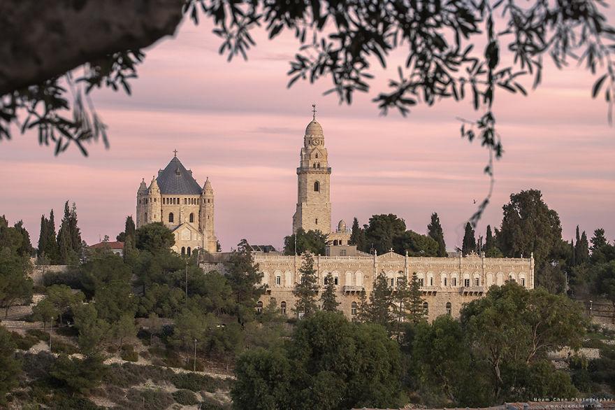 mount-zion-jerusalem-5c9bd00e26057__880
