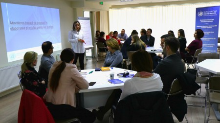 Fii parte din echipa ONU Moldova. Tinerii pot participa în cadrul unui program de stagii care promovează diversitatea