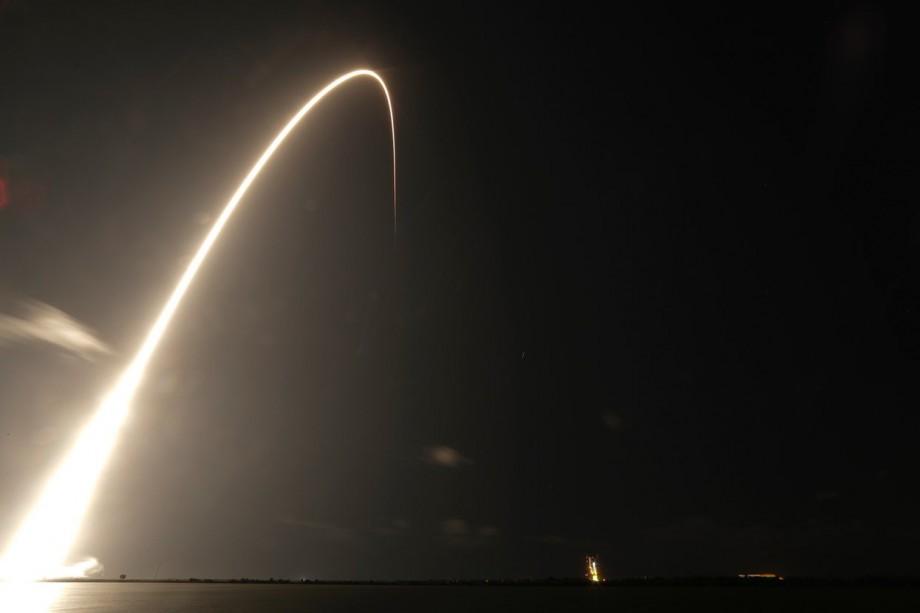 (video) Sateliții lui Elon Musk zboară deasupra Moldovei. Când îi veți putea vedea