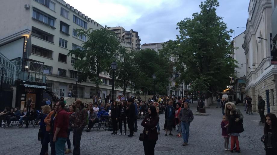 (foto) Cele patru zile. Strada pietonală Eugen Doga, loc de întâlnire pentru iubitorii de artă