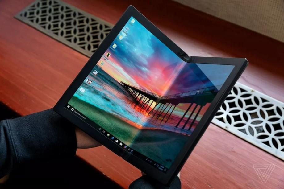 (foto, video) Lenovo creează un laptop pliabil. Cum arată viitorul ThinkPad X1