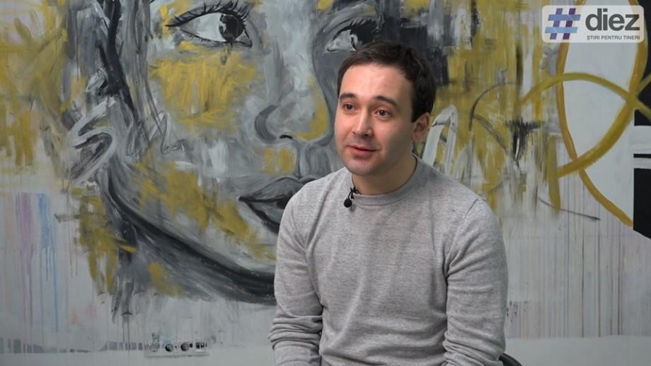 (video) Eugen Damaschin vorbește #FărăTolk.  Despre ce film ar regiza în străinătate și ce îl face fericit