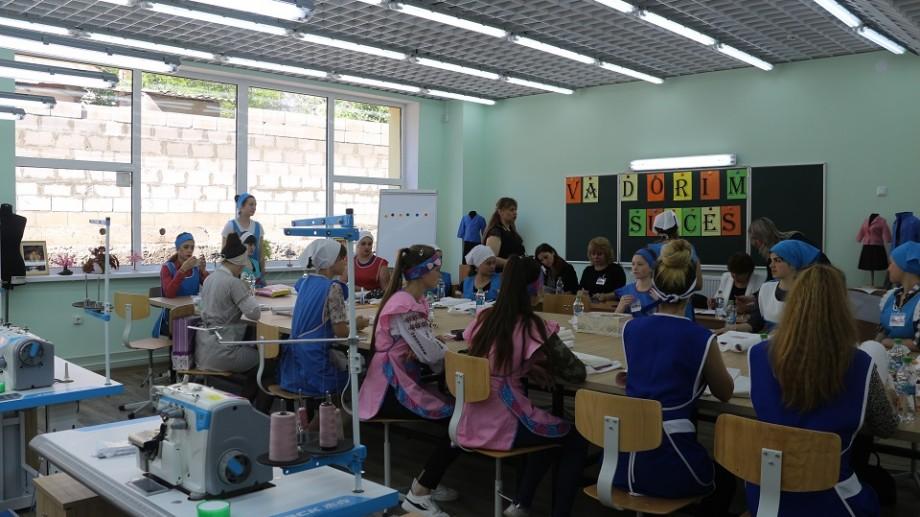 (foto) Concurs inedit. Cine sunt cele mai bune viitoare croitorese din țară
