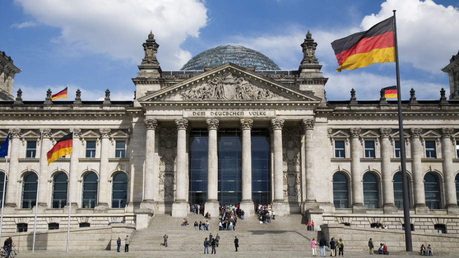 Cum poți obține un program de stagiu în Parlamentul german și o bursă lunară de 500 de euro