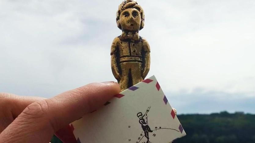 (foto) Să fie o declarație de dragoste? Micul Prinț de la Valea Morilor a primit o scrisorică