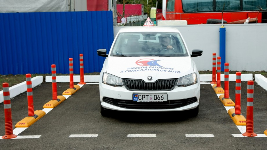 În Moldova sunt înregistrate 159 de școli auto. Cum să verifici care dintre acestea sunt licențiate