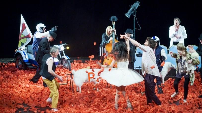 """În premieră pentru Moldova, Night Guguță aduce pe scena teatrului spectacolul """"Leonce și Lena"""""""