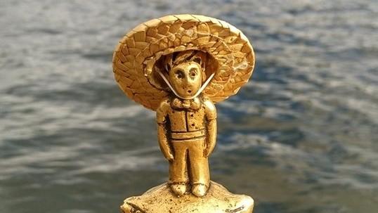 (foto) Micul Prinț și-a pus pălăria de paie. Locuitorul planetei B 612 s-a pregătit pentru vacanța de vară