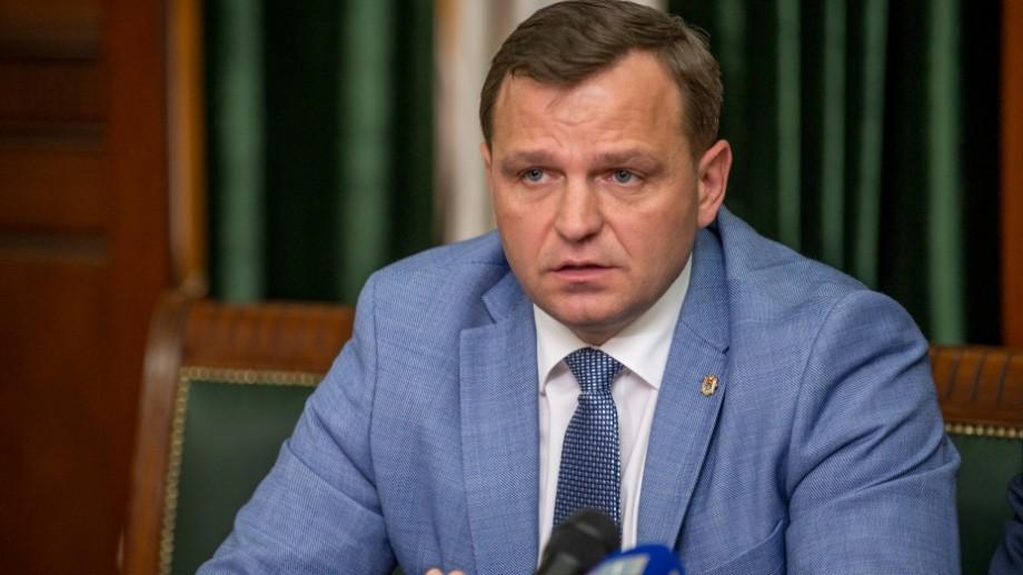(video) Andrei Năstase cere guvernării să revizuiască decizia de a rechema de luni bugetarii la serviciu