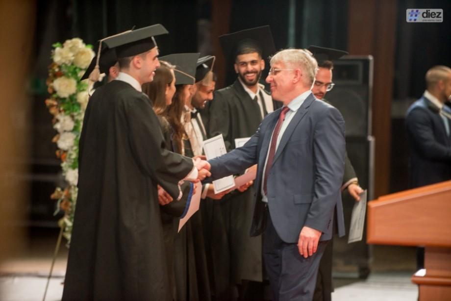 """(galerie foto) Absolvenții internaționali ai Universității de Stat de Medicină și Farmacie """"Nicolae Testemițanu"""" au depus astăzi jurământul"""