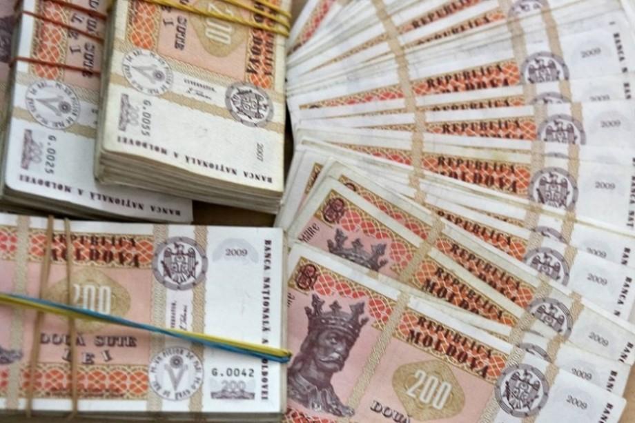 Care este salariul mediu lunar în Moldova în 2019 și în ce domenii se câștigă cel mai mult
