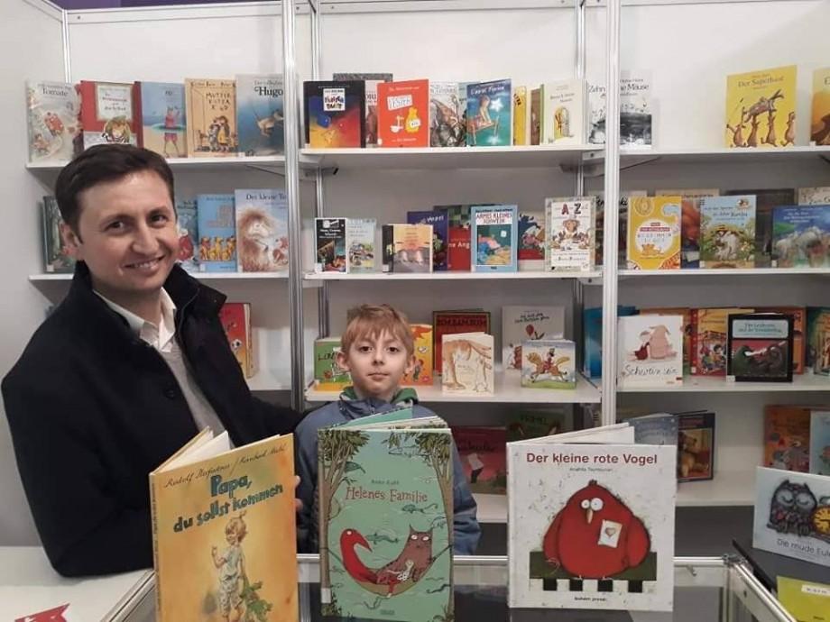 Vino la Biblioteca Hasdeu să-l cunoști pe primul Om-acvariu din Moldova. Detalii despre eveniment