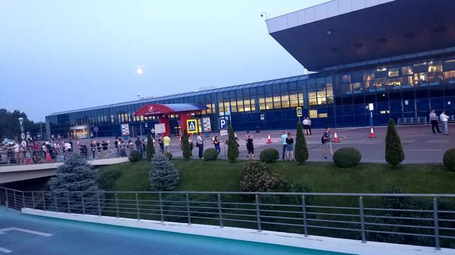 Alerta cu bombă de la Aeroportul Chișinău a fost falsă
