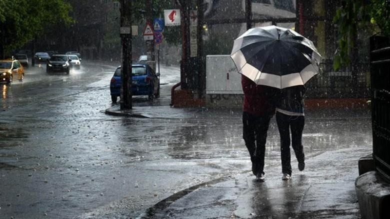 Pregătiți-vă umbrelele. Meteorologii au emis cod galben de instabilitate atmosferică
