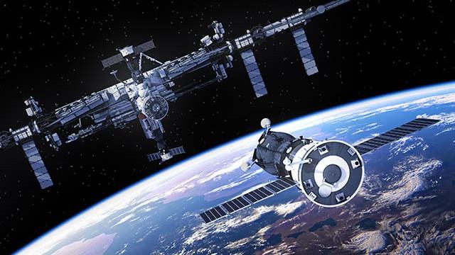 Dacă te-ai săturat de călătorii ordinare, NASA te invită în spațiu. Cât costă călătoria și care sunt condițiile