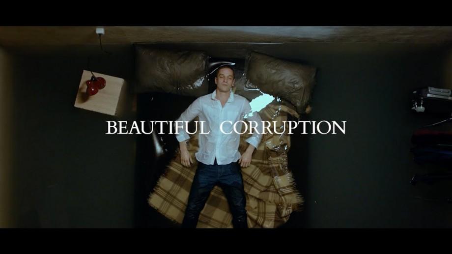 De astăzi, filmul lui Eugen Damaschin, Beautiful Corruption, poate fi vizionat online