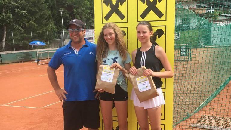 Jucătoarea de tenis din Moldova, Emilly Șarpe, a câștigat un turneu pentru juniori în Austria