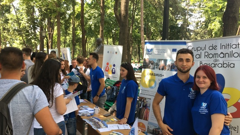 Absolvenții care vor să-și facă studiile în România pot afla mai multe detalii despre admitere la Târgul Universităților