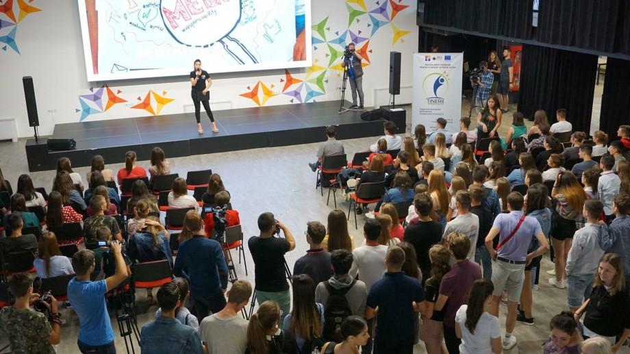 (foto) Peste 150 de tineri au discutat despre media cu jurnaliștii și influencerii pe care-i admiră