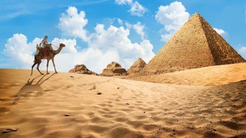 Pentru prima oară din 1965, turiștii vor putea vizita două piramide din Egipt. Decizia a fost luată de autorități
