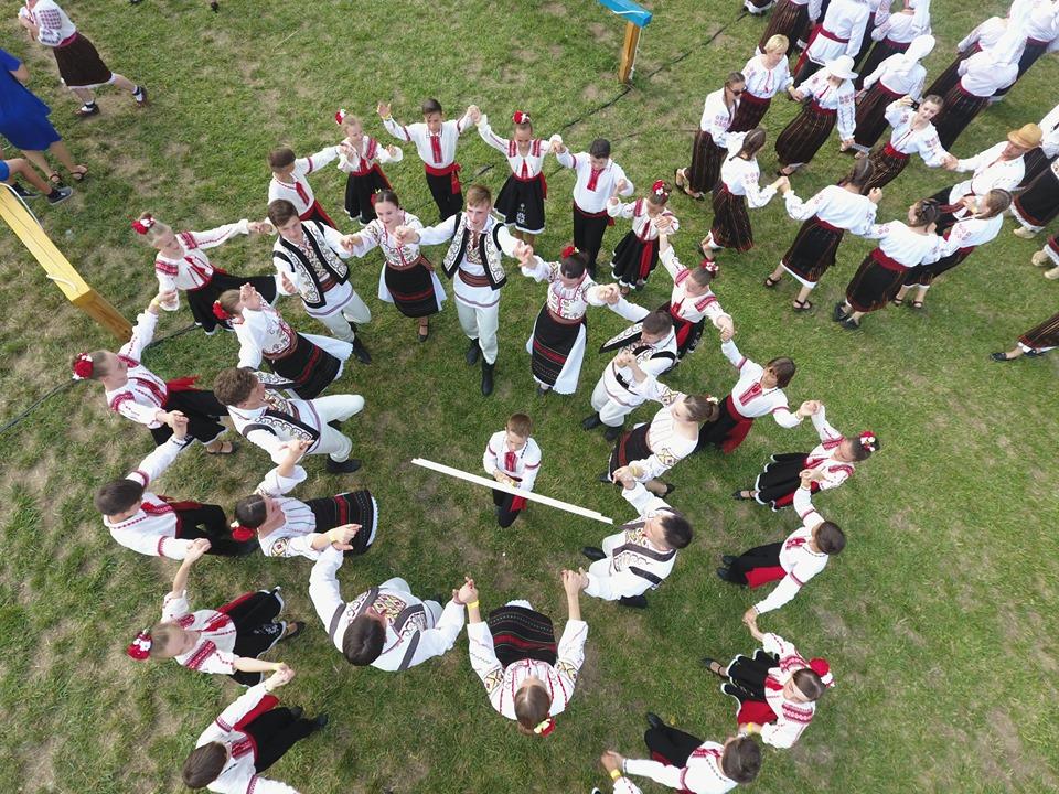 festivalul traditiilor