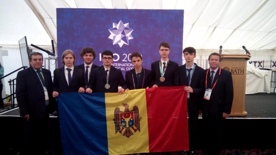 Elevii din Moldova au cucerit o medalie de argint și una de bronz la Olimpiada Internațională de Matematică