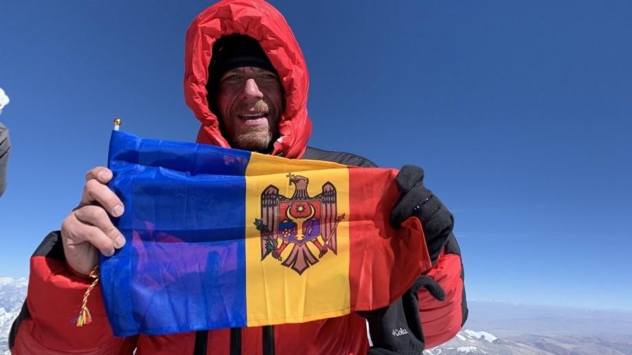 """8848 de metri, 24 kg de echipament și 45 de zile de ascensiune. Mircea Baciu: """"Cel mai greu e să cobori de pe Everest, nu să-l urci"""""""