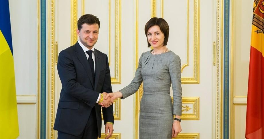 """Maia Sandu i-a adresat un mesaj de felicitare lui Volodymyr Zelensky: """"Este o mare responsabilitate să primești încrederea atâtor oameni"""""""