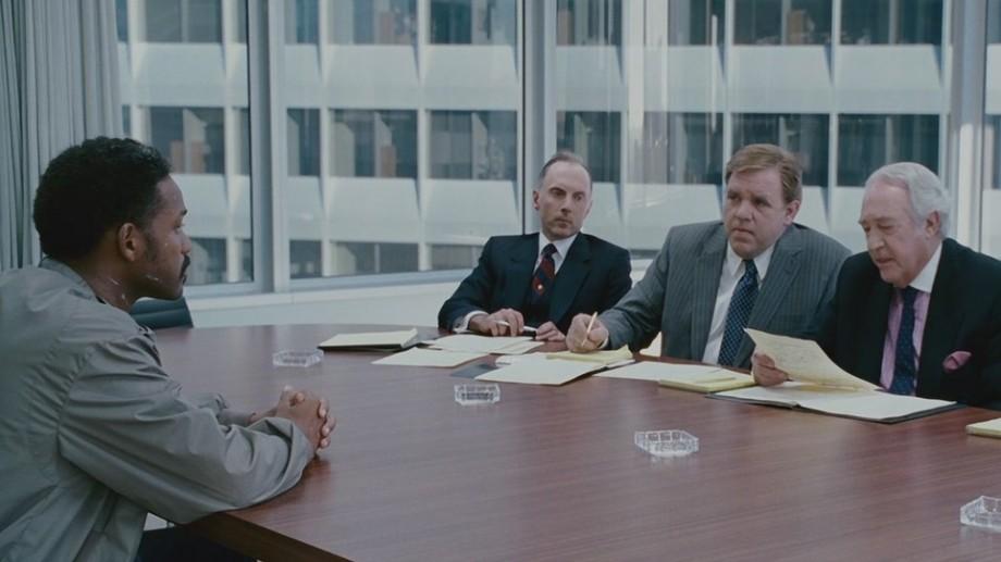 De la CV până la interviu. America House te invită la un program unde vei învăța pe pași cum să-ți găsești un job
