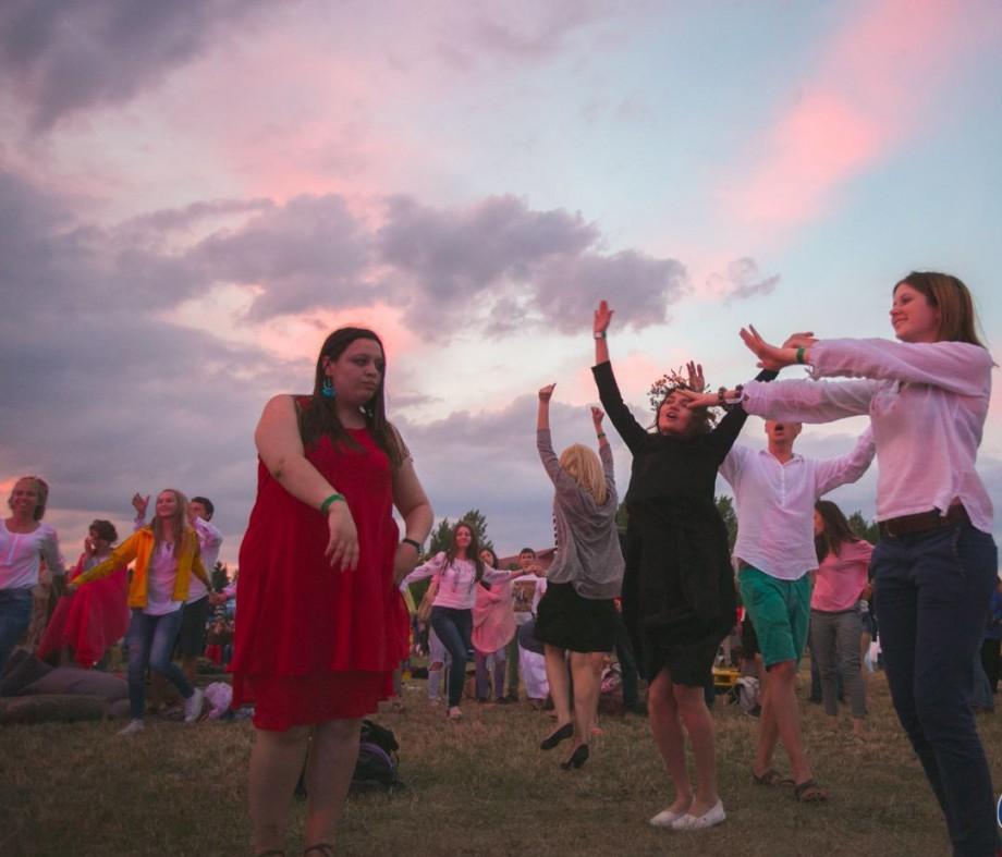 (foto) Zece activități pe care să nu le ratezi la Hodina, cea mai mare reuniune de familie de pe malul Nistrului