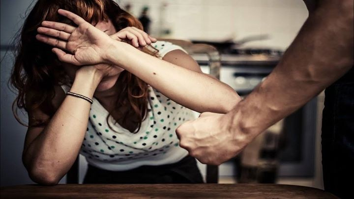Violența în familie se pedepsește cu închisoare. Sună la 112 și denunță agresorul/oarea