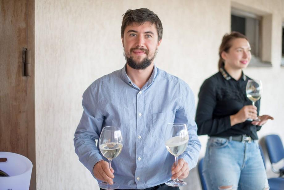 Alexandru Lebedev va deveni pentru trei ore chelner, în scop caritabil. Unde și când poți fi deservit de fondatorul #diez