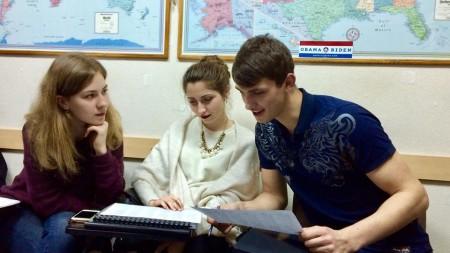 """(foto) """"Vreau să pun bazele benzilor desenate în Moldova"""". Octavian Curoșu despre cultura comicsurilor autohtone"""