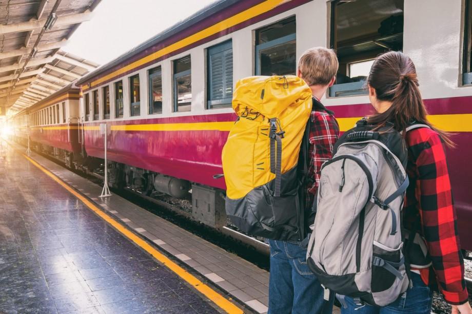 Vor călători gratuit cu trenul sau nu? Revolta studenților de peste Prut versus Ministrul Finanțelor din România