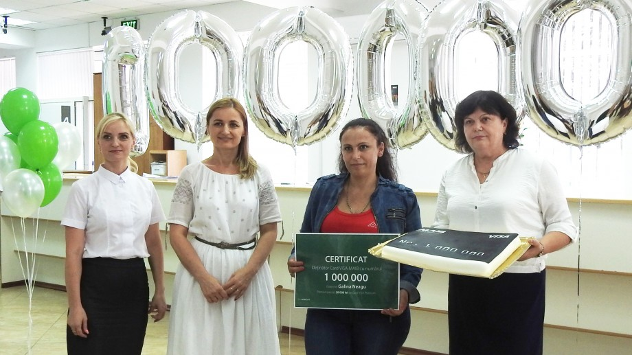 MAIB a felicitat deţinătoarea cardului VISA cu numărul 1 000 000