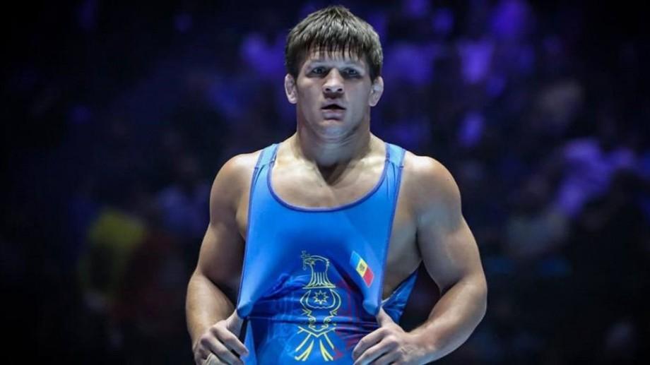 Un luptător moldovean a obținut medalia de bronz, după ce adversarul său a fost depistat pozitiv la controlul anti-doping