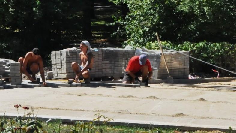 """(foto) Cum arată Parcul """"Alunelul"""" din sectorul Buiucani, renovat în proporție de 80%"""